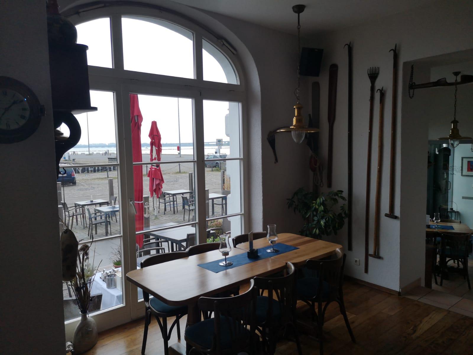 Ausblick vom Hiddenseer Hafenrestaurant